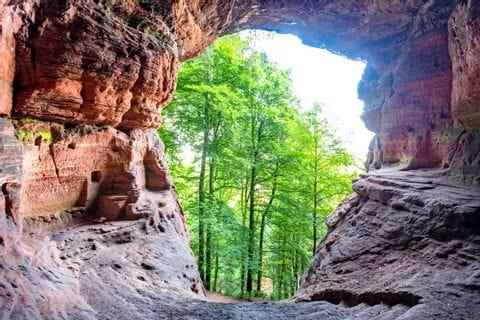 Wanderung bei der Genovevahöhle