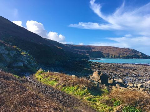 Blick auf die Klippen im südwestlichen Cornwall