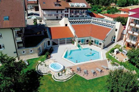 Hotel Lindenhof mit Außenpool