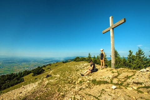 Summit hike at the Jura