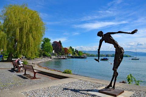 Statue an der Seepromenade am Bodensee