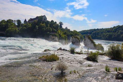 Blick auf den Rheinfall Felsen
