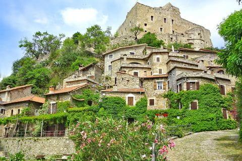 Wandererlebnis in Castelvecchio di Rocca Barbena