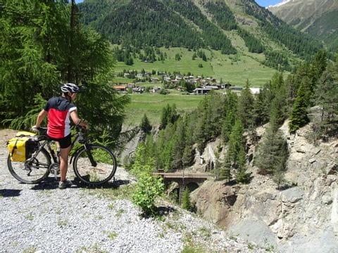 Aussicht in den Tiroler Alpen geniessen