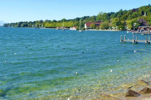 Wanderrast am Ufer vom schönen Starnberger See
