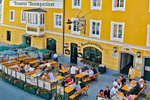 Gastgarten vor der Brauerei Baumgartner