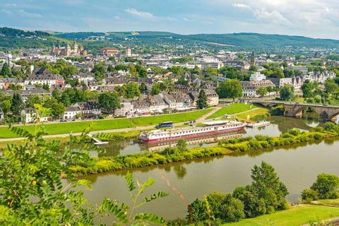 Panoramablick auf Trier und die Mosel