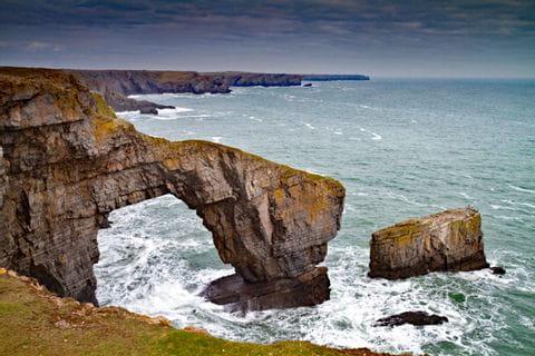 Meeresbogen in Pembrokeshire Wales