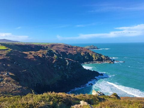 Wanderpanorama von Cornwalls Klippen