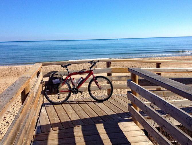 Rad vor Strand und Meer