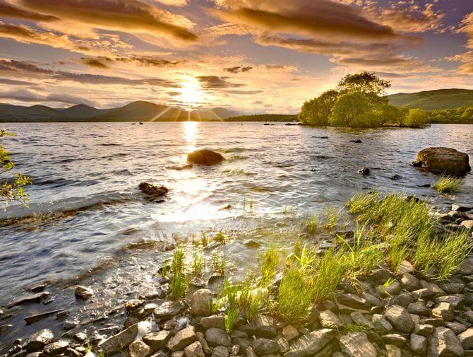 Blick auf Loch Lomond am West Highland Way