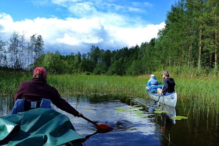 Paddeln durch die Wildniss auf der Finnischen Seenplatte